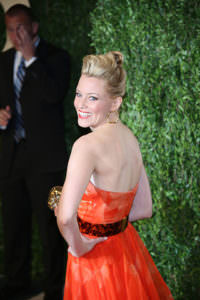 Elizabeth Banks styled by Friend-Soto at the Vanity Fair Oscars Party 2013