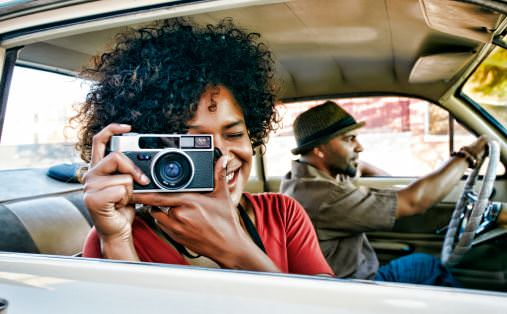 10 Natural Hair Hacks You Can Use When Traveling