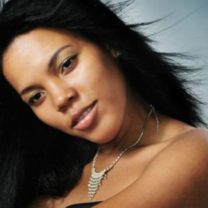 black-woman-straight-relaxed-hair-16x9