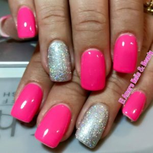Solid color with feature nail