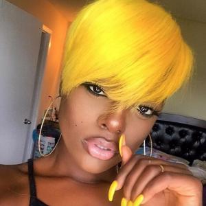 Bold yellow @delylah