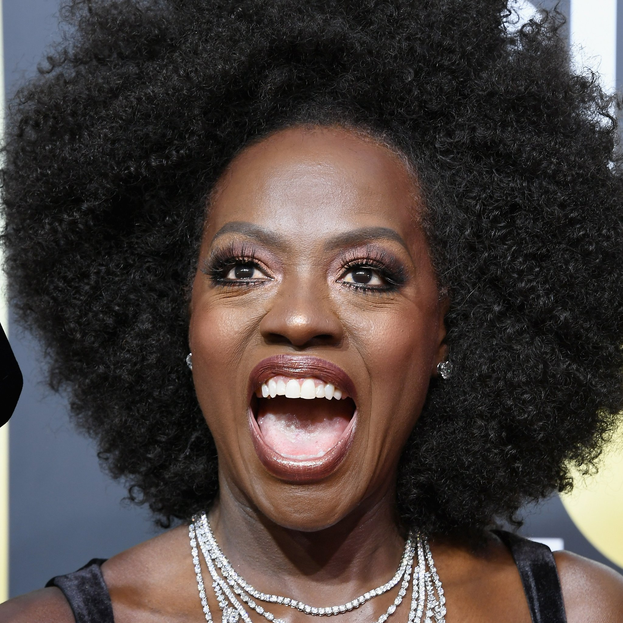 Viola Davis Rocking A Gorgeous Fro At The Golden Globes Pics Black Hair Information